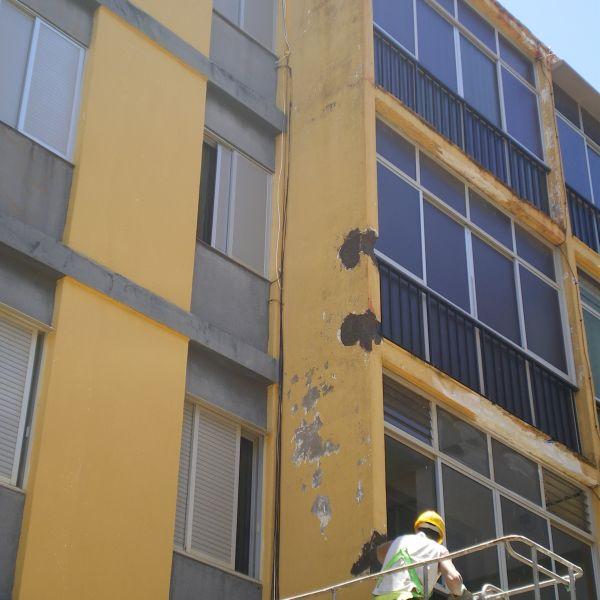 14.06.13. Reparación de cascotes de fachada II